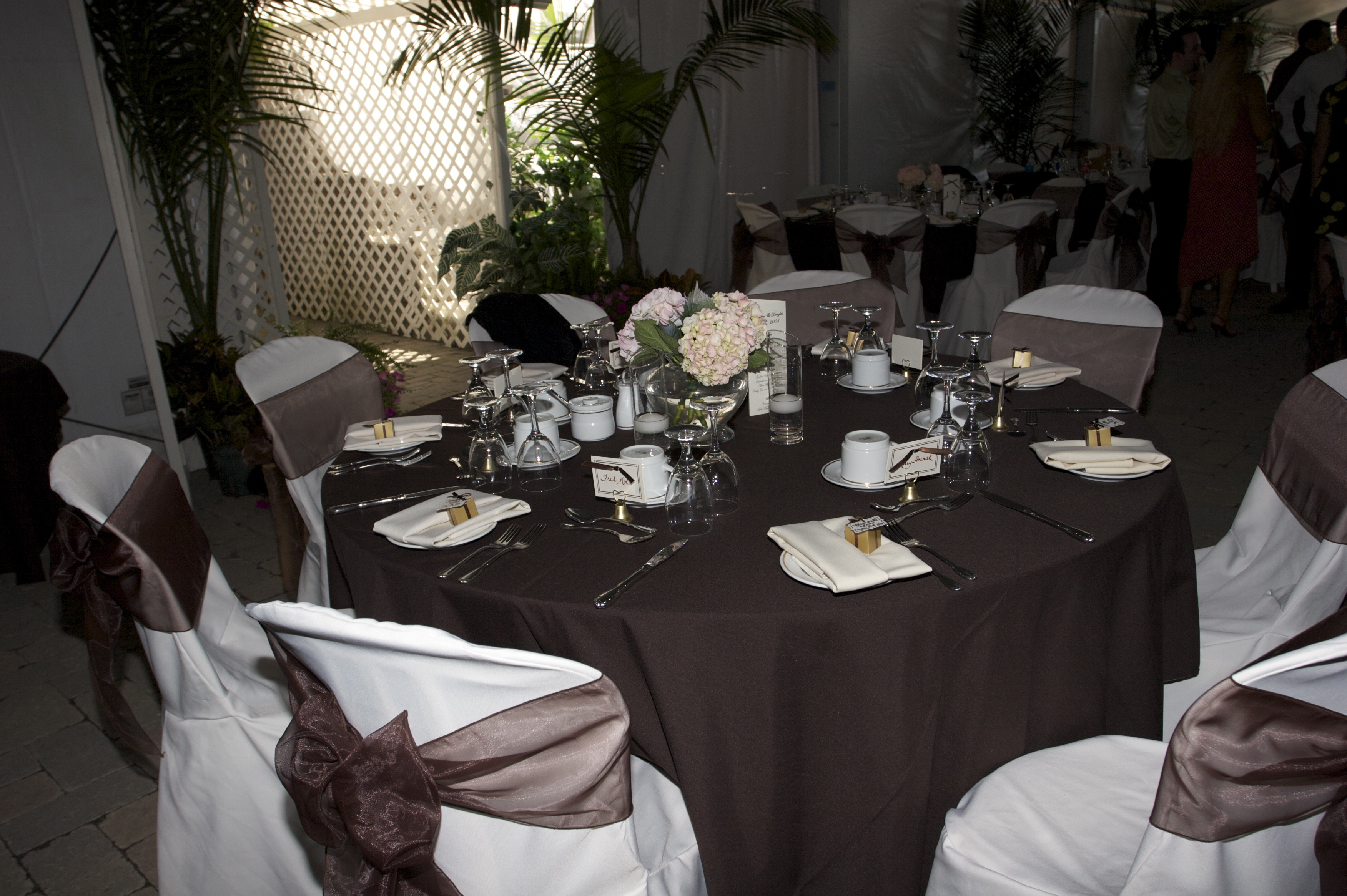 Table setting of Ivory & Chocolate Brown